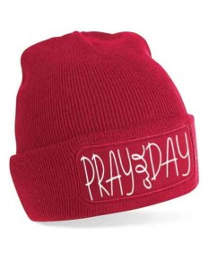 "Czapka ""Pray all day"""